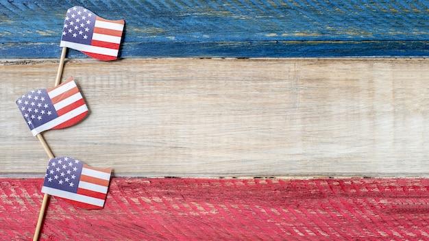Вид сверху маленькие флаги сша с копией пространства