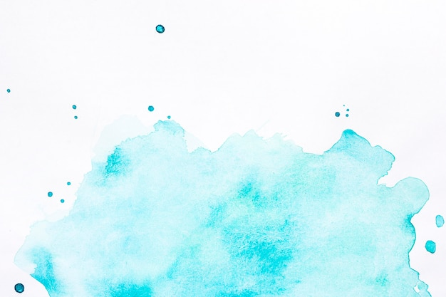 水しぶき背景の青い雲