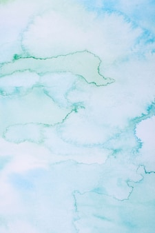 Голубое небо в дневном свете акварельный фон