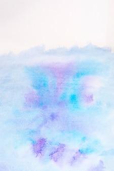Абстрактный синий и фиолетовый фон акварелью