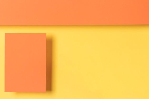 幾何学的形状の食器棚