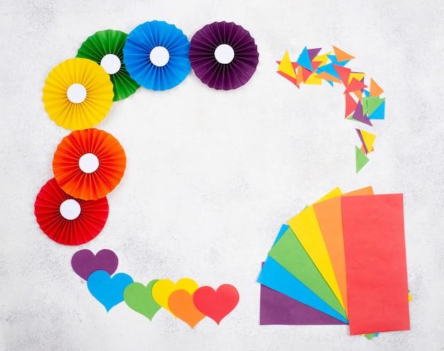 Рамка из разноцветного оригами