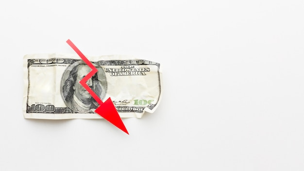 しわくちゃの紙幣経済危機