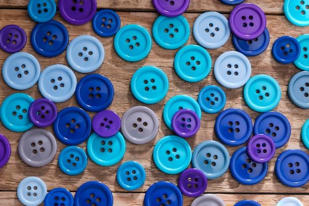 青いボタンの上面図