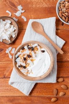 オート麦と平面図健康的な朝食ボウル