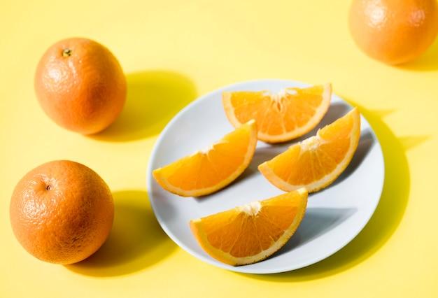 Макро органические фрукты на столе