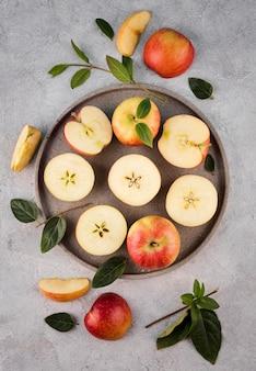 Вид сверху расположение органических яблок