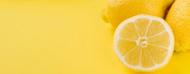 Макро органические лимоны с копией пространства