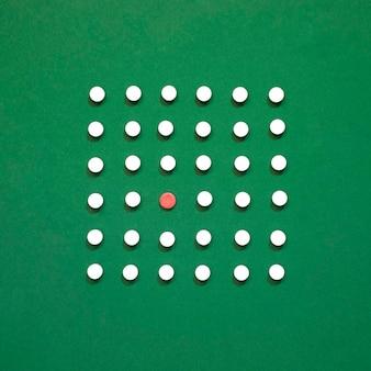 Вид сверху таблетки в прямоугольнике