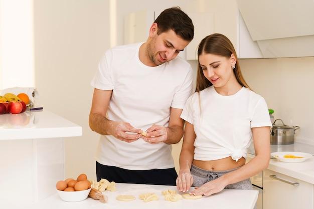 Высокий угол пара готовит тесто