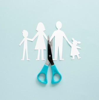 家族の離婚紙の形