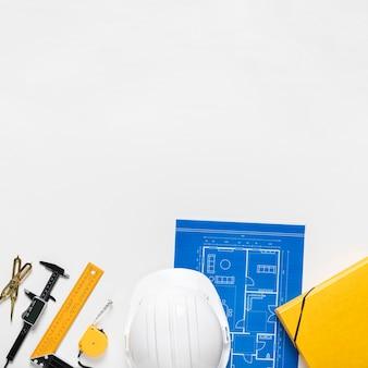 Архитектурный проект с различными инструментами ассортимента с копией пространства