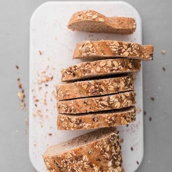 Пищевой ассортимент с лепешкой для хлеба