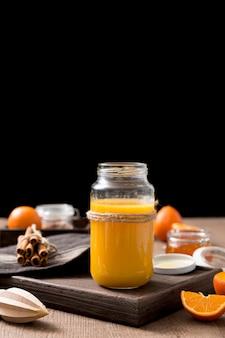 Ассорти из свежих апельсиновых смузи