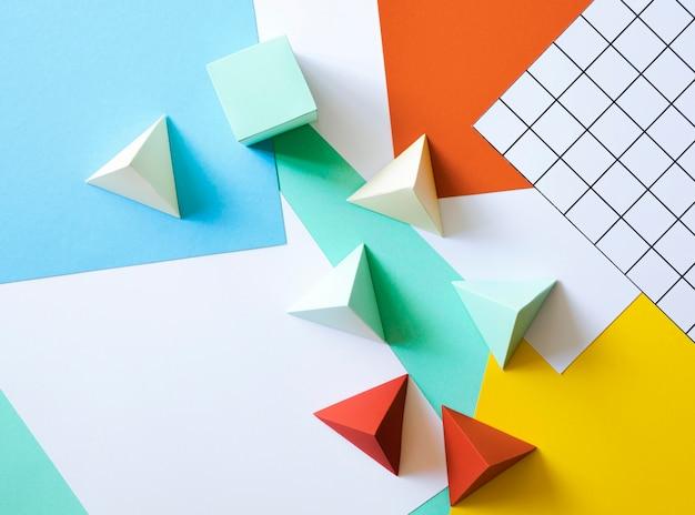 フラット横たわっていた紙の幾何学的形状