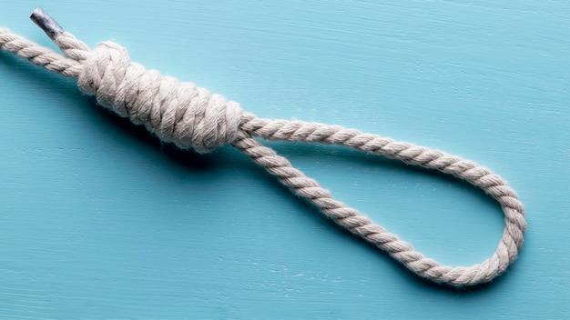 船の白いロープ釣り結び目