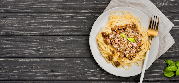 Копи-спейс тарелка со спагетией болоньезе