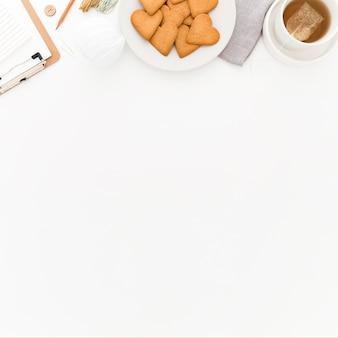 Печенье на завтрак с копией пространства