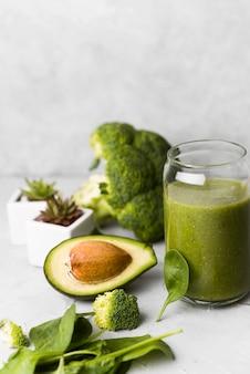 Авокадо льстец здоровый образ жизни