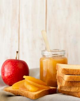 Бутерброд со свежими фруктами
