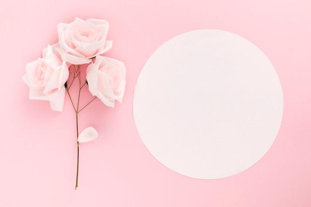 Плоская планировка красивого цветочного букета