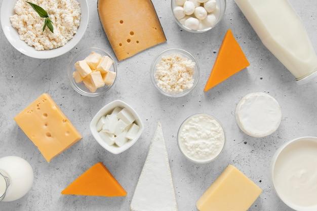 Вид сверху на молочные продукты