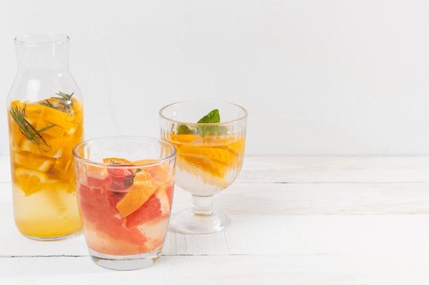 Фруктовые свежие напитки