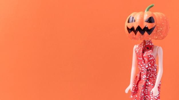 Крупный план жуткий хэллоуин игрушка с копией пространства
