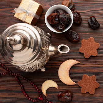 Вид сверху исламская новогодняя концепция с датами