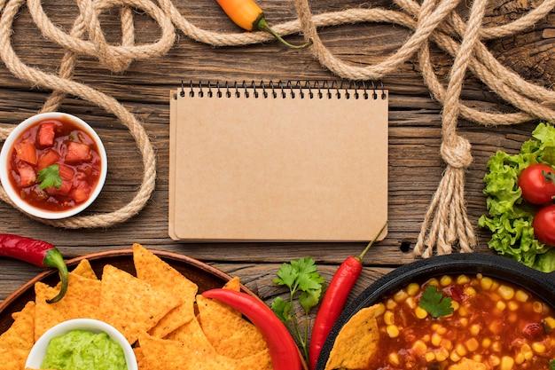 トップビューナチョスと美味しいメキシコ料理