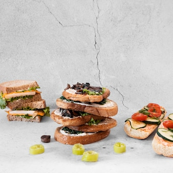 おいしいサンドイッチの正面構成