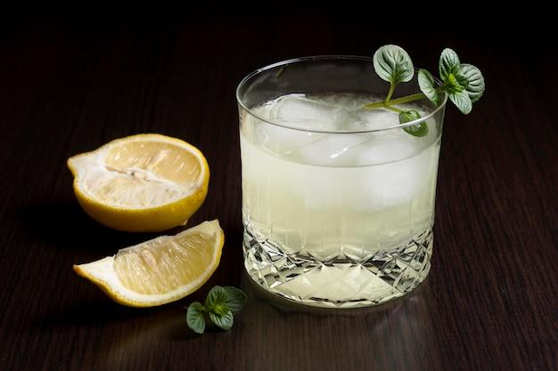 Готовый к употреблению ледяной холодный напиток