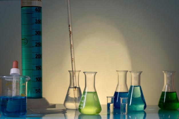 フラスコ科学概念の正面図