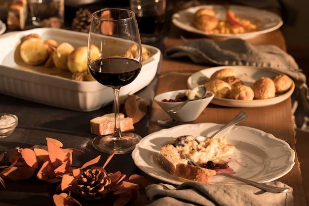 美しい感謝祭の食事のコンセプト