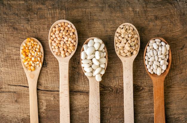レンズ豆と豆のスプーン
