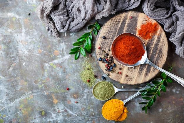 Специи и приправы для пищевых продуктов для еды