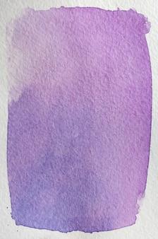 花明るいピンク、紫、紫、青の自然な手描きの抽象的な水彩画の背景フレーム。テキスト、レタリング、コピーのためのスペース。はがきテンプレート。