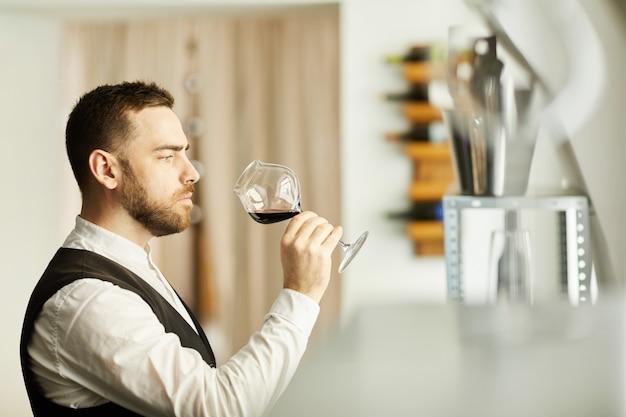 ソムリエ持株ワイングラス
