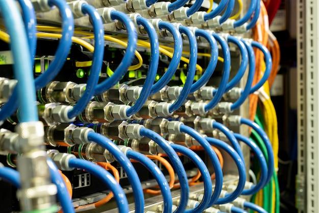 Подключение сетевых кабелей
