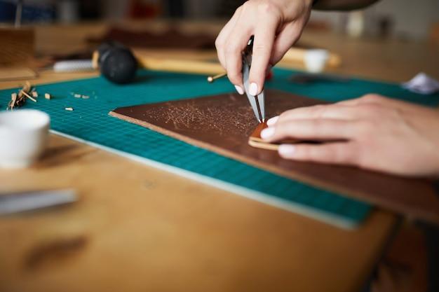 革細工のクローズアップ