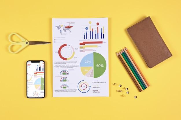 ポップの黄色の背景にビジネスインフォグラフィック
