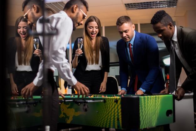 オフィスパーティーゲーム