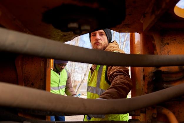 鉱山労働者検査車両