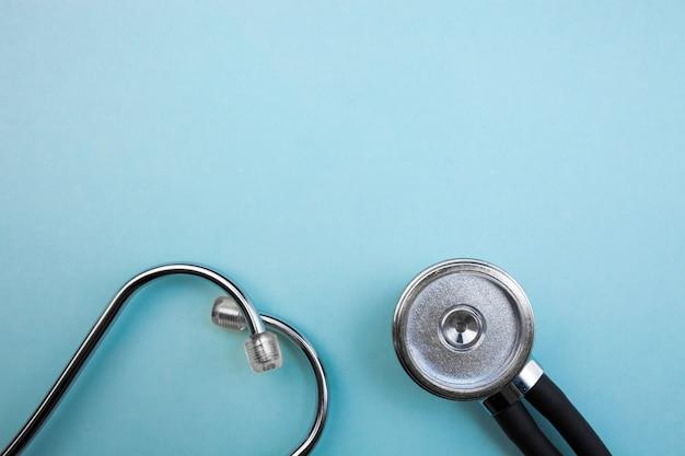 医療用圧力計と聴診器