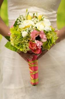 Букет невесты с мягким фокусом