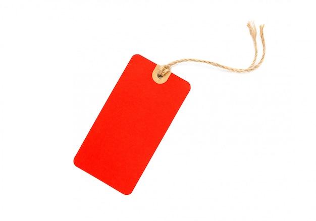 空白の赤い段ボールの値札または白い背景で隔離のラベル