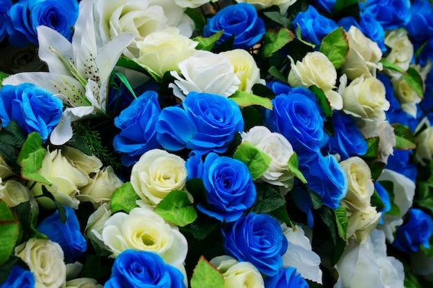人工のバラの花のクローズアップ