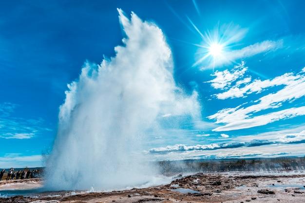 アイスランド南部のゴールデンサークルのゲイシールストロックル