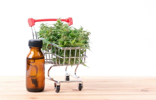 テーブルにカンナビジオール抽出物を含む大麻
