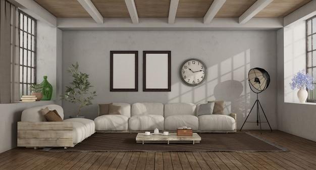 素朴なソファのあるロフトのリビングルーム